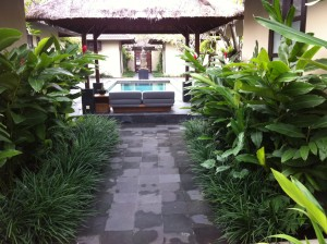 bali style pool area